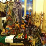 Kunsthandwerk aus Kamerun: Tücher, Puppen